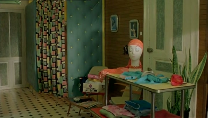 boy spying nude woman clip / Watch